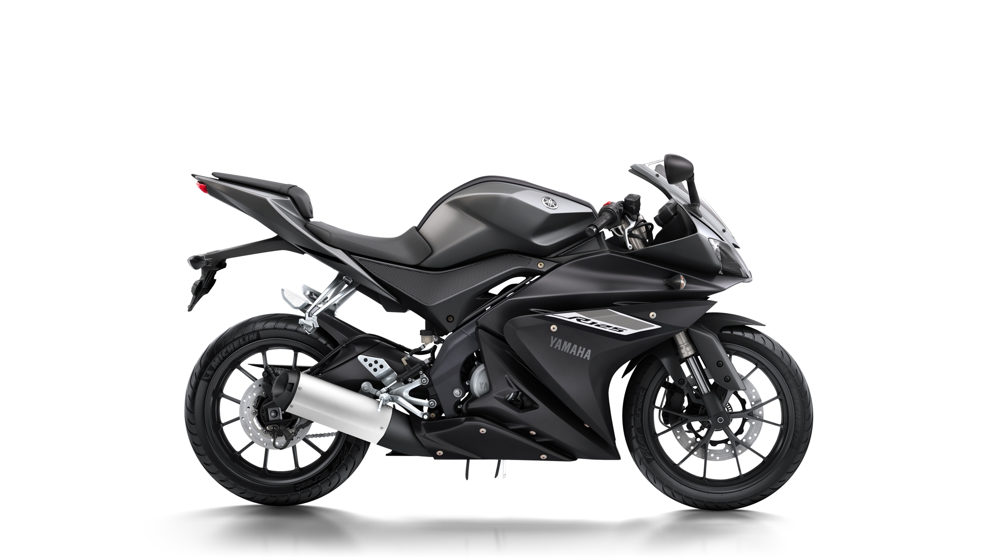 akrapovic racing line yamaha yzf r125 auspuff. Black Bedroom Furniture Sets. Home Design Ideas